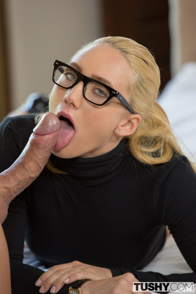 Gorgeous nerd swallow her bf cock before getting fucked 10