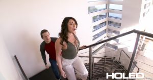 Holed Christiana Cinn in Soccer Mom Gaper 3